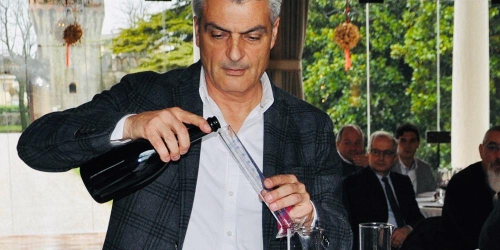 """"""" Il dietro le quinte dei grandi vini""""."""